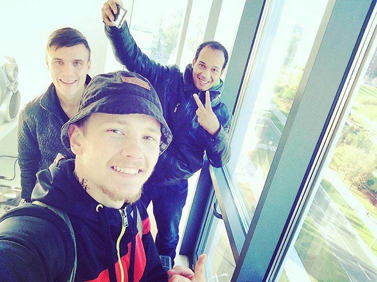 #ravefm #dzeylou_family #volya_papeli #sergeytitov #fromdonetsk #donetsk #edm #music #Erik #dance  Объединяемся))