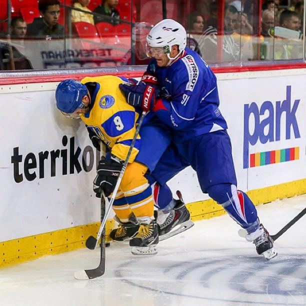 А у нас уже хоккей начинается!) #Украина #Франция #хоккей #Донецк #Донбасс #hcdonbass #hockey #ice #puck #donetsk #ukraine #f...