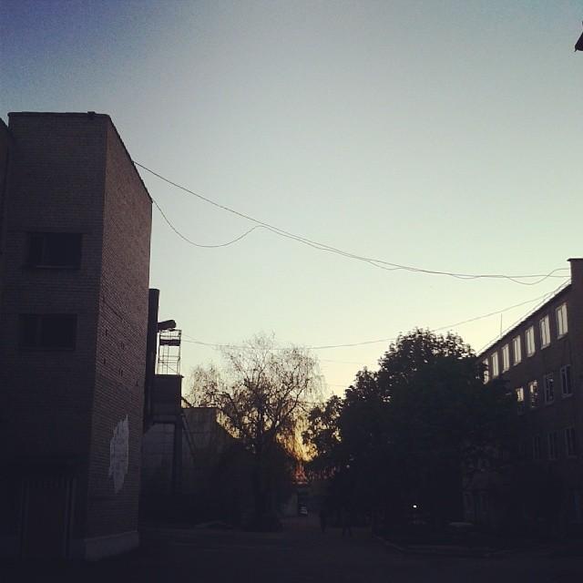 третий день феста подходит к концу. все прошло на ура! п.с. осталось оторваться на муз части С: #изоляция #донецк #закат #izo...