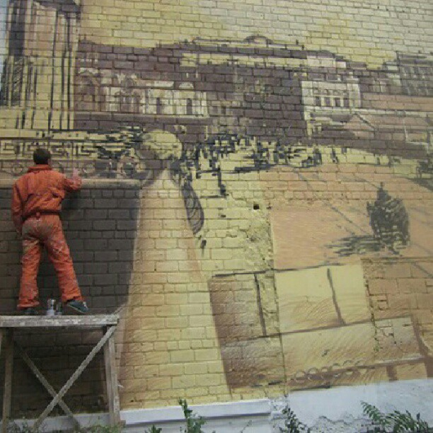 Добрые люди рисуют Старую Юзовку. #donetsk #govoritdonetsk #painting #murals #oklahoma #hughestown