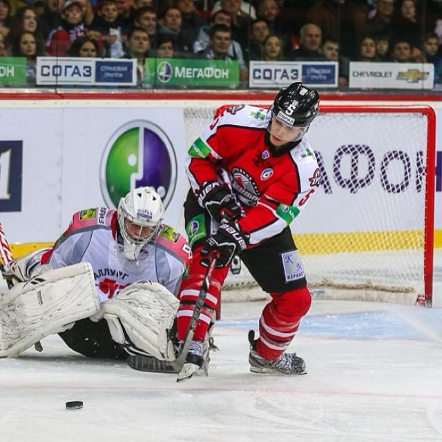 Давно здесь не было хоккея  #хоккей #донецк #украина #донбасс #hcdonbass #donetsk #ukraine #fromdonetsk #hockey...