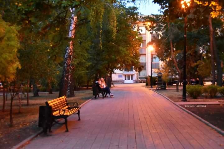 """""""Как быстро наступают нынче вечера, только зажглись #фонари и синие #сумерки начали захватывать #город  К 8-ми вечера уже на..."""