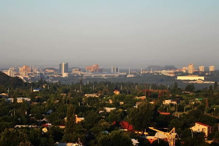 """""""С бодрым воскресным утром, Донецк  Хватит спать, а то так всю жизнь проспите  #5:30утра"""", - пишет автор #фото Александр #..."""