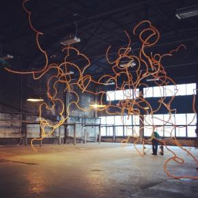 создавая искусство сегодня в @izolyatsia  #izolyatsia #donetsk #sculpture #balloons #art #изоляция  #донецк #скульптура #шари...