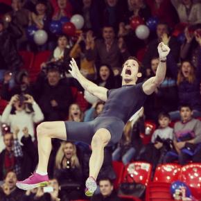 В Донецке побит вечный#рекордСергея Бубки в прыжках с шестом - француз Рене Лавилени одолел планку, установленную на высоте...