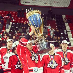 А @hcdonbass - чемпион Украины  @hvoro #hockey #hockeystick #puck #GovoritDonetsk #ice #cup #phl #hockeyplayer #instagood #h...