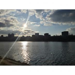 Погодка сегодня отличная #instadonetsk #donetsk #fromdonetsk #sky #clouds #river #city #buildings #kalmius #street #streetpho...