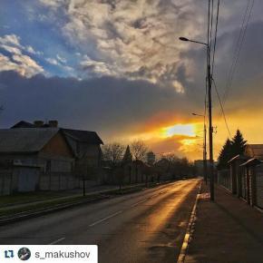 #Repost @s_makushov with @repostapp ・・・ #road #sunset #donetsk #fromdonetsk #instadonetsk #mycity_donetsk #типичныйдонецк #ci...