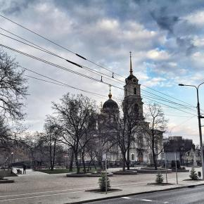 #donetsk #fromdonetsk #instadonetsk #mycity_donetsk #типичныйдонецк #donetsk #донецк #city #church #citystreets #streetphotog...