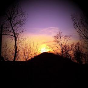 Закат в Донецких терриконах #sunset #evening #sun #sky #citystreets #city #donetsk #fromdonetsk #instadonetsk #mycity_donetsk...