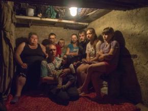 Один украинский политик однажды пообещал, что ваши дети будут сидеть в подвалах, а наши дети будут ходить в школу.    Это был...