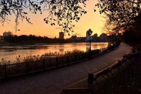 """""""Вчерашний #закат на Кальмиусе и Набережной. После чудесного, солнечного дня и сильного ветра, я поняла, что закат вечером бу..."""